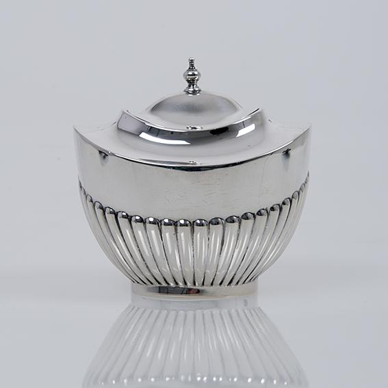 Antiek Engels zilveren theebusje