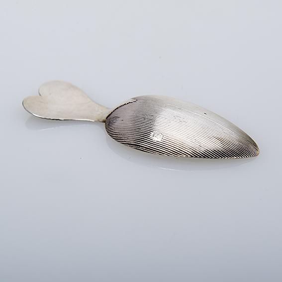 Antiek zilveren theeduim